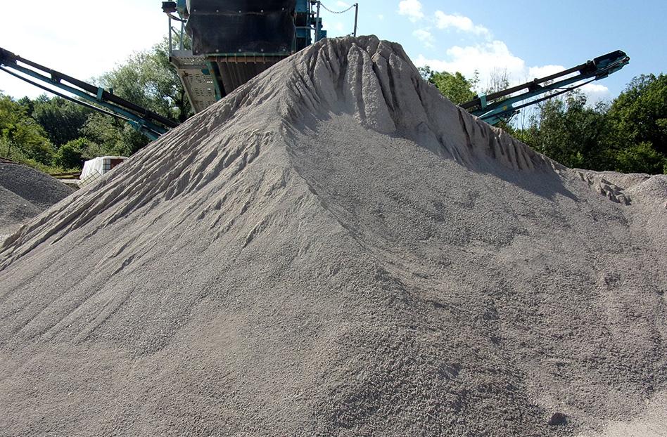 SARL Viret Vaste espace de stockage de sables et granulats à Albens, à proximité d'Annecy