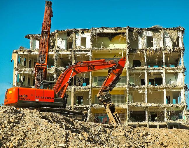 Spécialistes en destruction de constructions tous types à proximité d'Annecy (74)