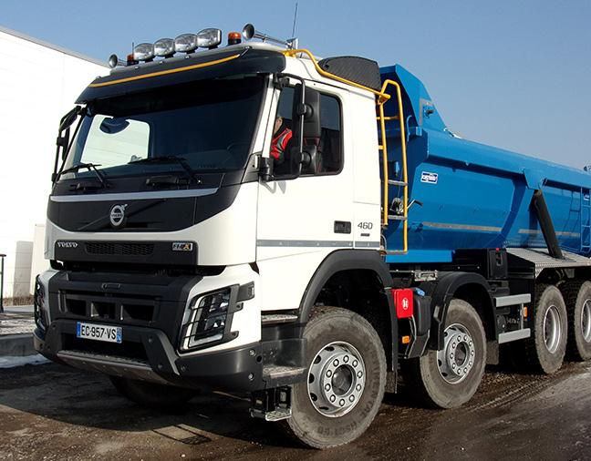 Location de camions de chantier avec chauffeur non loin d'Annecy en Haute-Savoie