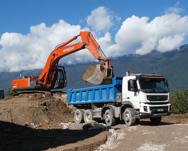 Demandez la location de votre camion bi-benne ou semi-benne près de Chambéry